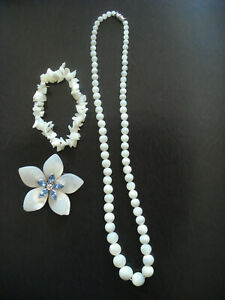 Lot nacre et pierres Swarovski collier, bracelet et broche Dyrberg/Kern