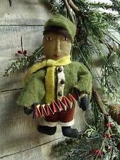 PRIMITIVE PATTERN ON CD/CHRISTMAS TREE VINTAGE ORNIE/ORNAMENT/WINTER/PT122