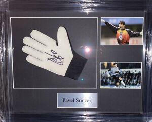 Signed Pavel Srnicek Framed Goalkeeper Glove Czech Republic Newcastle Sheff Wed