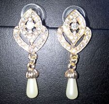 Unbranded Pearl Beauty Costume Earrings