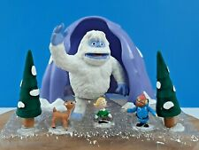 Rudolph The Red Nosed Reindeer & Friends Bumbles Cave Scenic Display Set Round 2