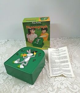 1970s VINTAGE BUGS BUNNY SOLID STATE PHONOGRAPH CHILDS TOY RECORD PLAYER BATTERY