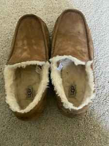 UGG Ascot Moccasin Slippers Size 8