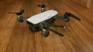 DJI Spark Drone with Controller + EXTRAS - Alpine White - Excellent Condition