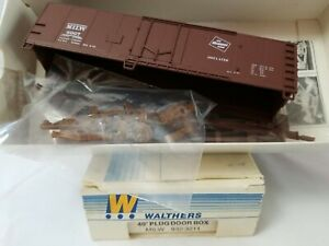 WALTHERS #932-3211 HO 40' PLUG DOOR BOXCAR MILWAUKEE ROAD MILW 8967 - NEW KIT