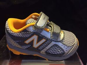 Boys Sneakers New Balance Silver and Yellow Sneakers Little Boys Size 6 1/2 M