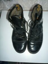 DOC MARTENS AUTHENTIC  MADE IN ENGLAND  8 HOLE BOOTS SZ 5 UK. 7 U.S.