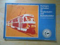 Richtiges Verhalten an Straßenbahn-und Bushaltestellen Tafelserie DDR StVO