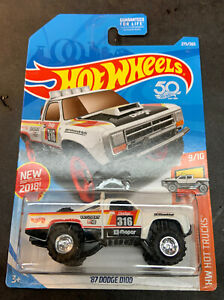 Hot Wheels CUSTOM '87 Dodge D100 with Real Riders