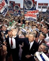 JOHN F. KENNEDY AT THE 1960 DEMOCRATIC NATIONAL CONVENTION - 8X10 PHOTO (EE-068)
