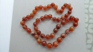 Carnelian agate hand knotted necklace. Vintage. Excellent condition. 100cm long.
