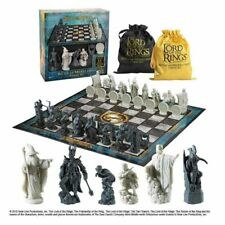 Noble Collection - Lord of The Rings Battle for Middle Earth Chess Set