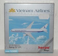 HERPA WINGS Vietnam Airlines Boeing 767-300 avec registration 1:500 (r2_2_32)