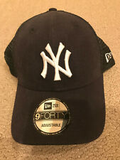 New Era New York Yankees MLB 9FORTY Cap - Navy & YANKEE SOCKS