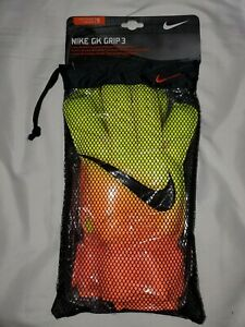 NIKE GK VAPOR GRIP3 SOCCER GOALKEEPER  GLOVES, GS039-810, SIZE 9. New with Tags