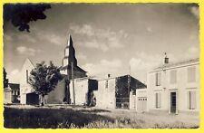 cpsm RARE 85 - Village de TRIAIZE (Vendée) La Place et l' ÉGLISE
