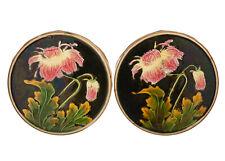 Rare Paire de Dessous de Plats en Barbotine Décor de Fleurs Chrysanthème 19e