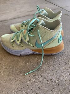 Kyrie Irving 4, Squidwards Sneakers