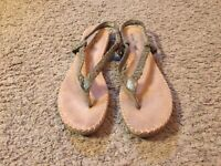 Women's Minnetonka Green Braided Leather Thong Ankle Strap Sandals Size 9