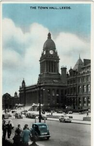 Leeds - The Town Hall  1950s Cars Traffic U/P Clean card