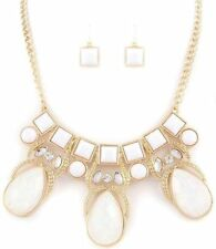 WHITE TEAR DROP CLEAR CRYSTAL  ELEGANT    NECKLACE AND  EARRING SET  7jX 8