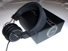 NIB MAC Cosmetics Headphones ~ Employee-only Holiday Gift RARE Collector's Item