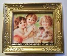 1:12 - Bild in feinem Goldrahmen - 3 Mädchen mit Hund