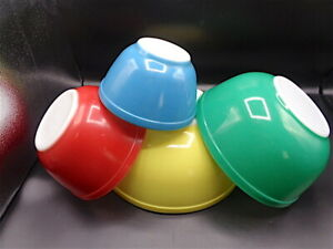 VINTAGE PYREX PRIMARY COLOR  NESTING MIXING BOWL  SET