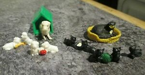 vintage BARTON   -  small 16th - 18th scale - DOLLS HOUSE  - PETS / CATS & DOGS