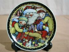 Mint Mary Engelbreit Christmas Plate Me Ink. Santa with Children