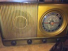 Radio antigua de valvulas VENMAR, anterior a 1950. En buen estado.