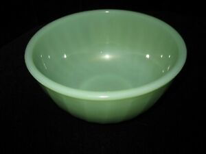 """Vintage Fire King Oven Ware 6"""" Jadeite Swirl Mixing Bowl"""