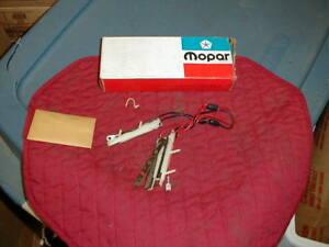 NOS MOPAR 1971-3 HORN SWITCH WITH 3 SPOKE SPORT WHEEL