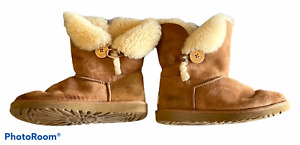 Woman's UGG Bailey Chestnut Boots Shoes Leather Sheepskin Size 8