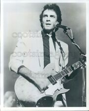 1982 Press Photo 1980s Soap Opera Star Turned Rocker Rick Springfield w Guitar