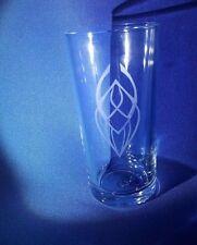 STAR TREK EMBLEM BADGE inciso su una mezza pinta di vetro
