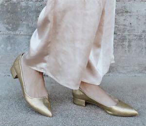 New Lulus Womans Gold Vegan Gold Snake Embossed Pointed Toe Heels Sz 9M NIB