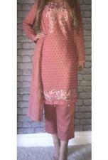 Ready Salwar Kameez. Tailles M, L & XL disponible.