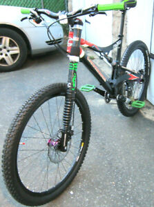 Cannondale RUSH SI 27.5 HI MOD SLX Brakes CARBON Lefty 10 speed reflective decal