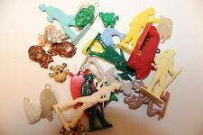 VINTAGE CRACKERJACK CHARM GUMBALL PRIZE PLASTIC TOYS LARGE VARIETY OF ALL SORTS