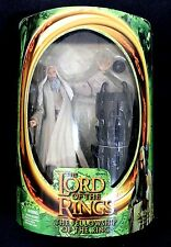 LORD OF THE RINGS FELLOWSHIP OF THE RING SARUMAN + MAGIC FLOATING PALANTIR BASE