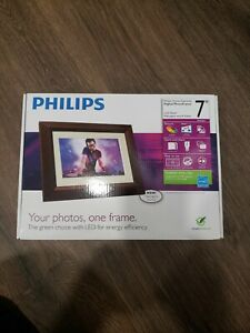 Philips 7 SPF3472/G7 Home Essentials LED Digital Photo Frame Green Energy