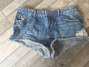 Ladies New Look Distressed Shorts Size 12
