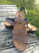 Women's Naot Champagne Leather Sandals Size 11M