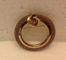 VINTAGE GOLD MESH ROUND PIN/BROOCH WITH FLOWER AT TOP WITH CLEAR STONE EUC