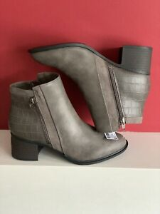 NEXT FOREVER COMFORT  Grey Block HEEL CHELSEA BOOTS size U.K. 6 new with tags