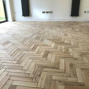 Parquet Solid Oak Wood Flooring 300mm x 70mm x 22mm Herringbone or Fishbone