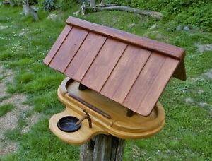 Großes Vogelfutterhaus mit Upcycling -Tränke reine Handarbeit Gartenvögel