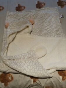 Fluffy Snuggle Cosy Hoodie Fleece Blanket