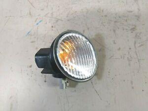 TOYOTA COROLLA AE112 FRONT RIGHT CORNER LIGHT INDICATOR TURN SIGNAL FREE POST